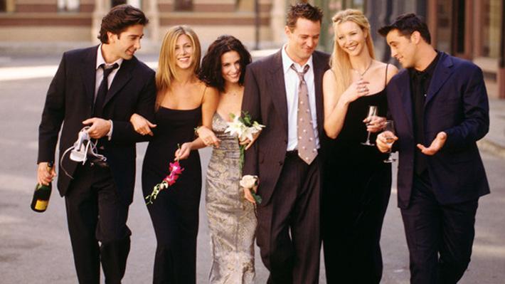 """Encuesta entre personas que trabajan en Hollywood señala a """"Friends"""" como la mejor serie de televisión de la historia"""