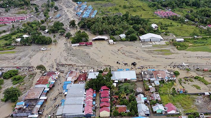 Inundaciones en Indonesia dejan 79 fallecidos y 43 desaparecidos