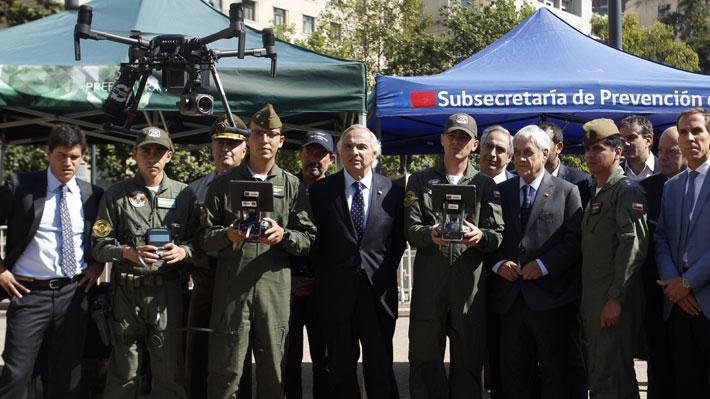 """Piñera lanza plan de drones y defiende control de identidad: """"Espero que los parlamentarios escuchen la voz de la gente"""""""