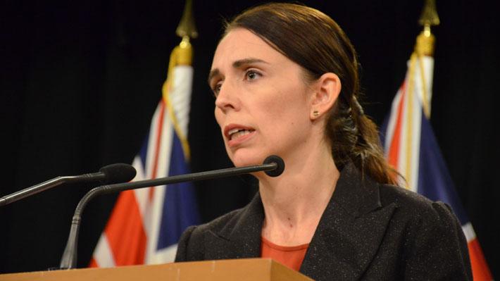 """Primera Ministra de Nueva Zelanda asegura que atacante de Christchurch enfrentará """"toda la fuerza"""" de la ley"""
