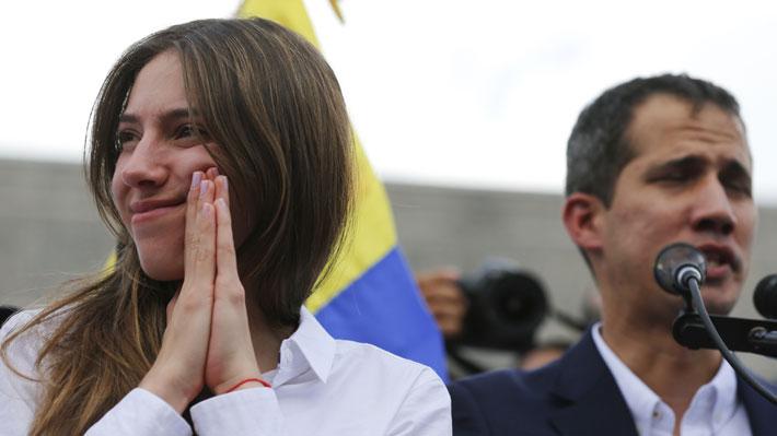 """Quién es Fabiana Rosales, la """"primera dama encargada"""" de Venezuela que se encuentra de visita en Chile"""
