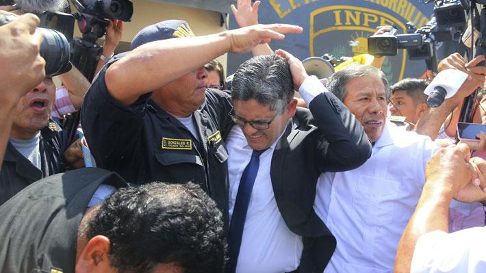Fiscal peruano que investiga a Keiko Fujimori fue atendido de urgencia tras ser agredido por adherentes de la opositora
