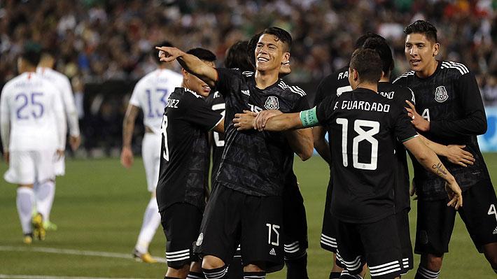 Chile juega un segundo tiempo desconcertante, muestra una cara espantosa y cae con claridad ante México
