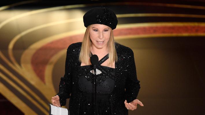 """Barbra Streisand sobre las supuestas víctimas de abuso sexual de Michael Jackson: """"Ellos estaban encantados de estar allí"""""""