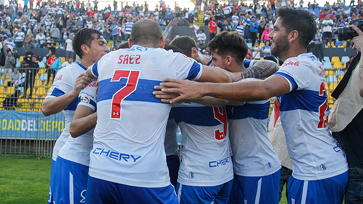 La UC brilla, aplasta a Palestino en la Supercopa y logra su primer título oficial en la era de Quinteros