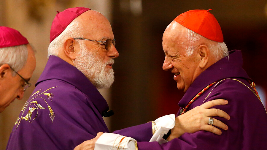 """Ricardo Ezzati en su adiós al Arzobispado de Santiago: """"Pido perdón por mis debilidades y mis flaquezas"""""""