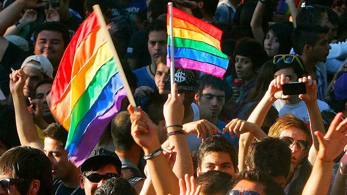 Estudio OCDE: Personas LGTB tienen menos acceso al mundo laboral y ganan 4% menos