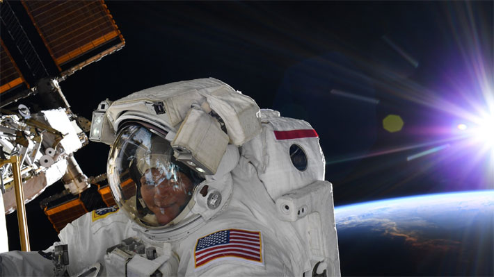 """Astronauta que no podrá salir en la caminata espacial este viernes aclara que """"la decisión fue basada en mi recomendación"""""""