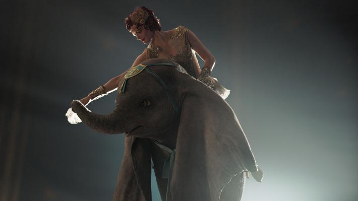 """""""Dumbo"""", el remake que cambia el punto de vista de la película original pero mantiene su esencia"""