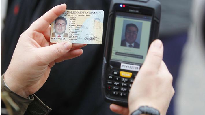 Proyecto de control de identidad incluirá a mayores de 14 años y no permitirá registro de vestimentas a menores