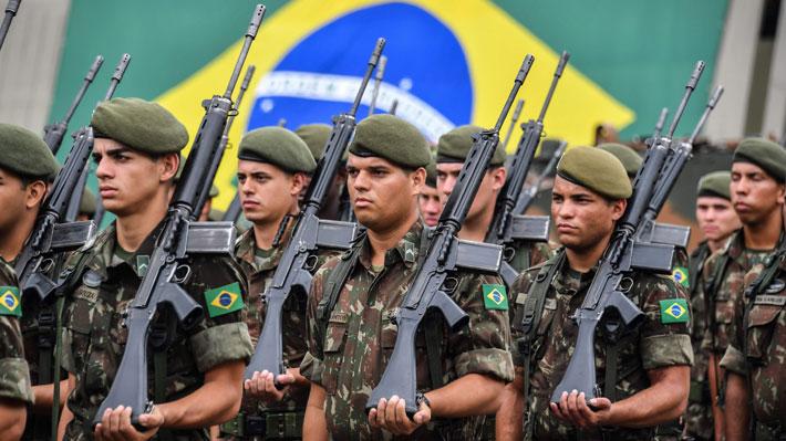 Entre tensión y los vestigios de la dictadura: Bolsonaro conmemora los 55 años desde el golpe de Estado en Brasil