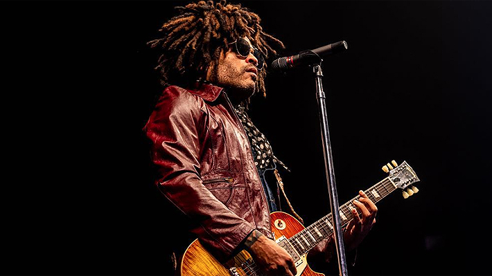 Problemas de audio marcan presentación de Lenny Kravitz en Lollapalooza: Show se interrumpió por media hora