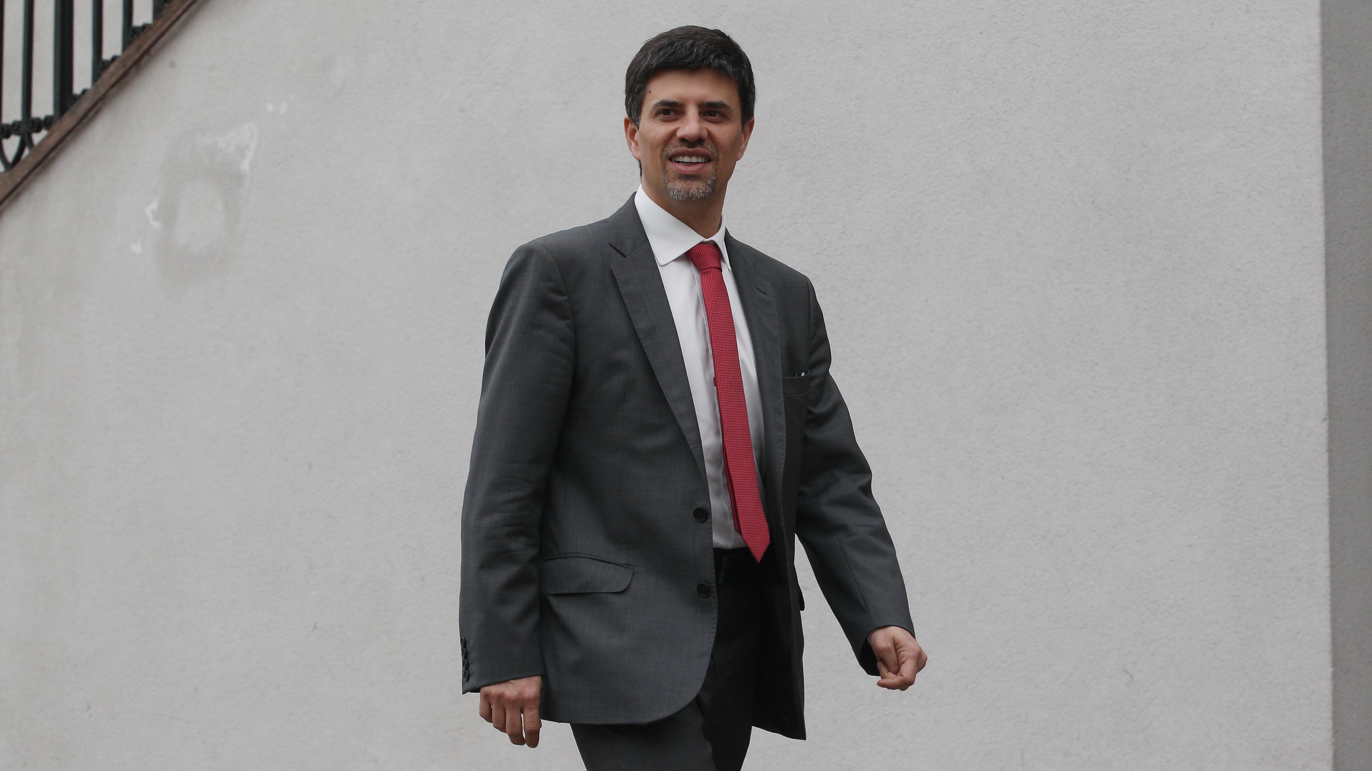 Marcelo Díaz cuestiona gestión de Elizalde como presidente del PS y llama a los críticos a unirse para enfrentarlo en elecciones