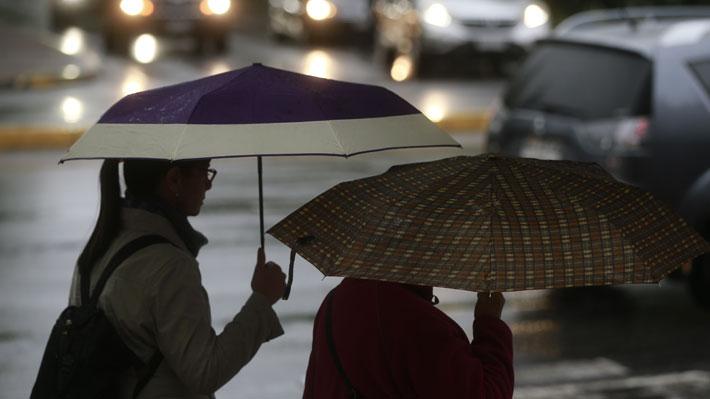 Se registran precipitaciones en la zona central del país y anuncian tormentas eléctricas entre Coquimbo y O'Higgins