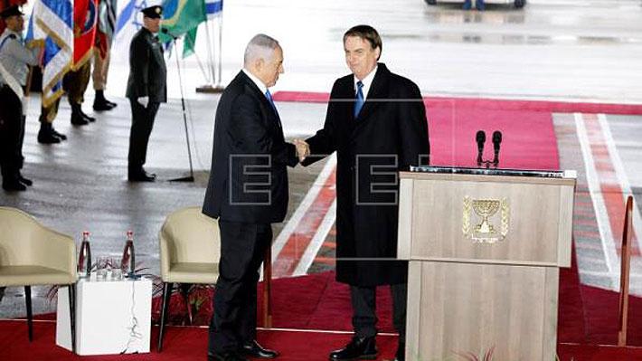 Bolsonaro llega a Israel en una visita centrada en traslado de la embajada brasileña de Tel Aviv a Jerusalén