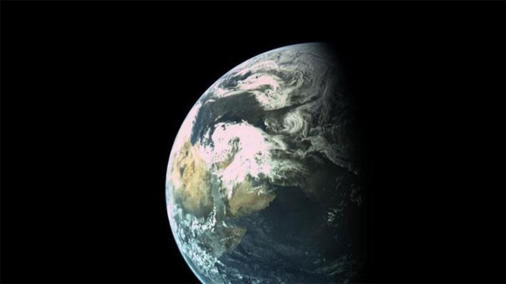 Sonda israelí envía una fotografía de la Tierra en medio de su camino a la Luna