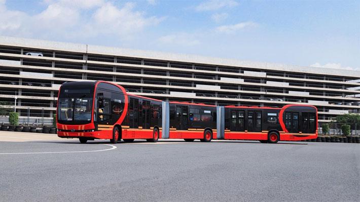"""Presentan el """"bus eléctrico más largo del mundo"""" que puede llevar a 250 pasajeros"""