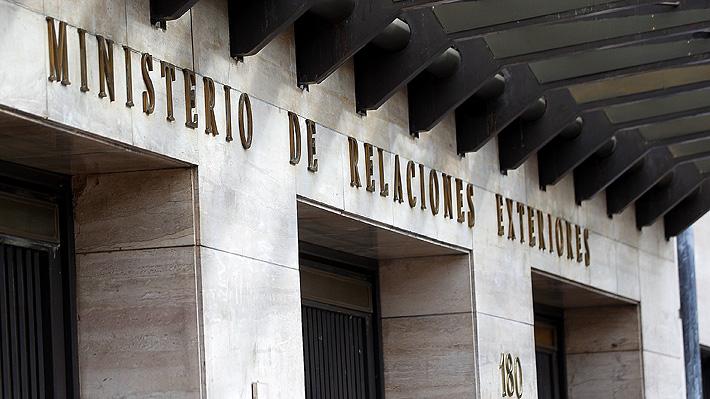 Cancillería informa que artistas chilenos detenidos en Argentina podrían prestar declaración mañana ante la justicia