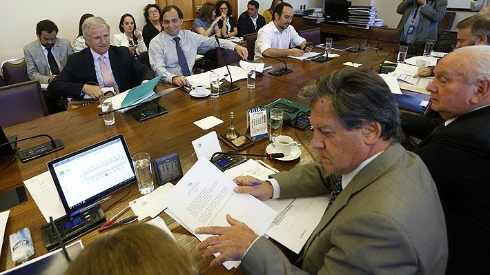 Oposición entrega nueva propuesta al Gobierno por reforma tributaria y aplaza votación de proyecto