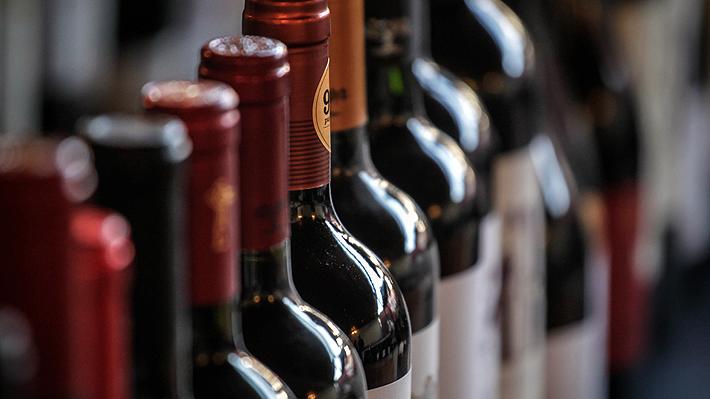 Piñera asegura que estudian subir el impuesto a los alcoholes en Chile