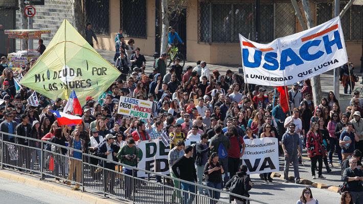 Confech llama a paro nacional y marchas tras pérdida de gratuidad de estudiantes que se atrasaron en sus carreras