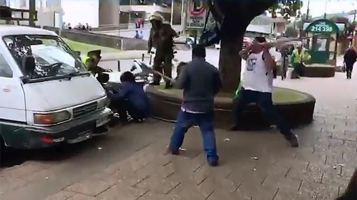 Carabineros son agredidos con palos en medio de manifestación no autorizada en Temuco