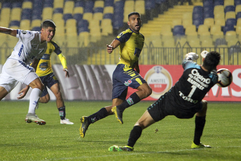 U. de Concepción salvó un punto con uno menos durante una hora ante Godoy Cruz y sigue líder de su grupo en Libertadores