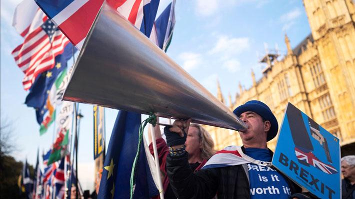 Diputados británicos aprueban proyecto para obligar a May a posponer el Brexit y evitar salida de la UE sin acuerdo