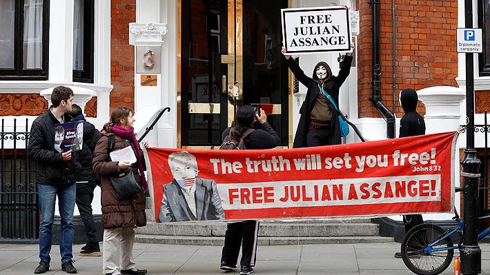Gobierno de Ecuador desmiente rumores sobre posible expulsión de Assange de embajada en Londres
