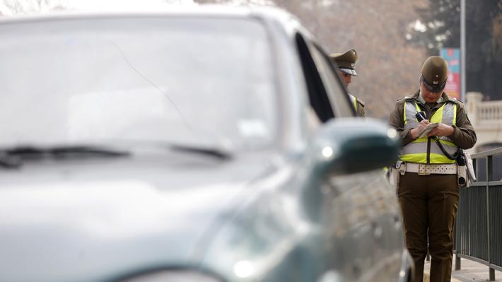 Expertos recomiendan expandir área de restricción vehicular y aumentar fiscalización para reducir la contaminación en la RM