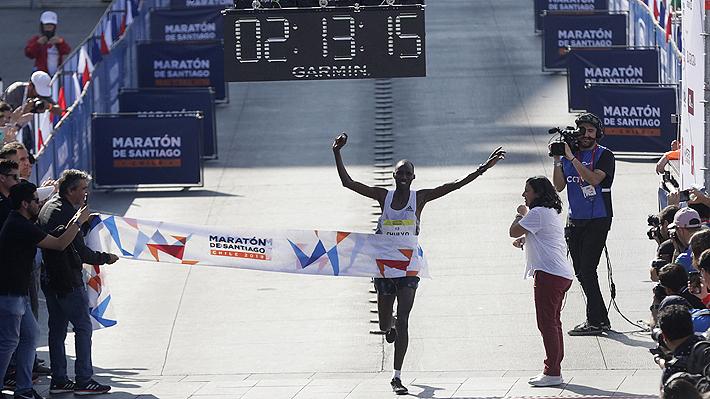 """Keniata que ganó el Maratón de Santiago: """"En mi país hay 500 atletas con marcas olímpicas, algunos buscan nacionalizarse"""""""