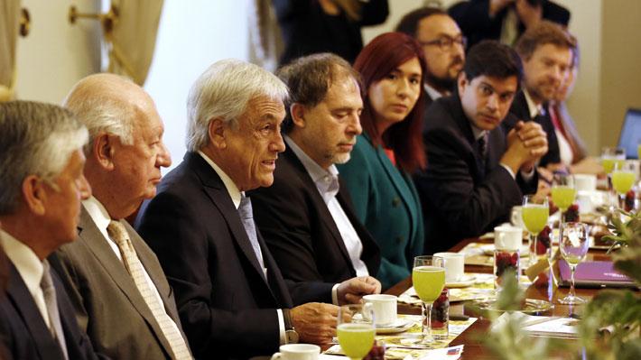 Ex presidentes, contralor y figuras de la oposición: Quiénes son los 27 integrantes del consejo para la cumbre COP 25