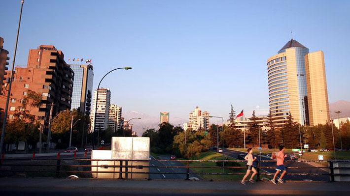 Estudio mundial de salud: 81% de los chilenos se considera saludable, pese a mala percepción de estado físico y peso