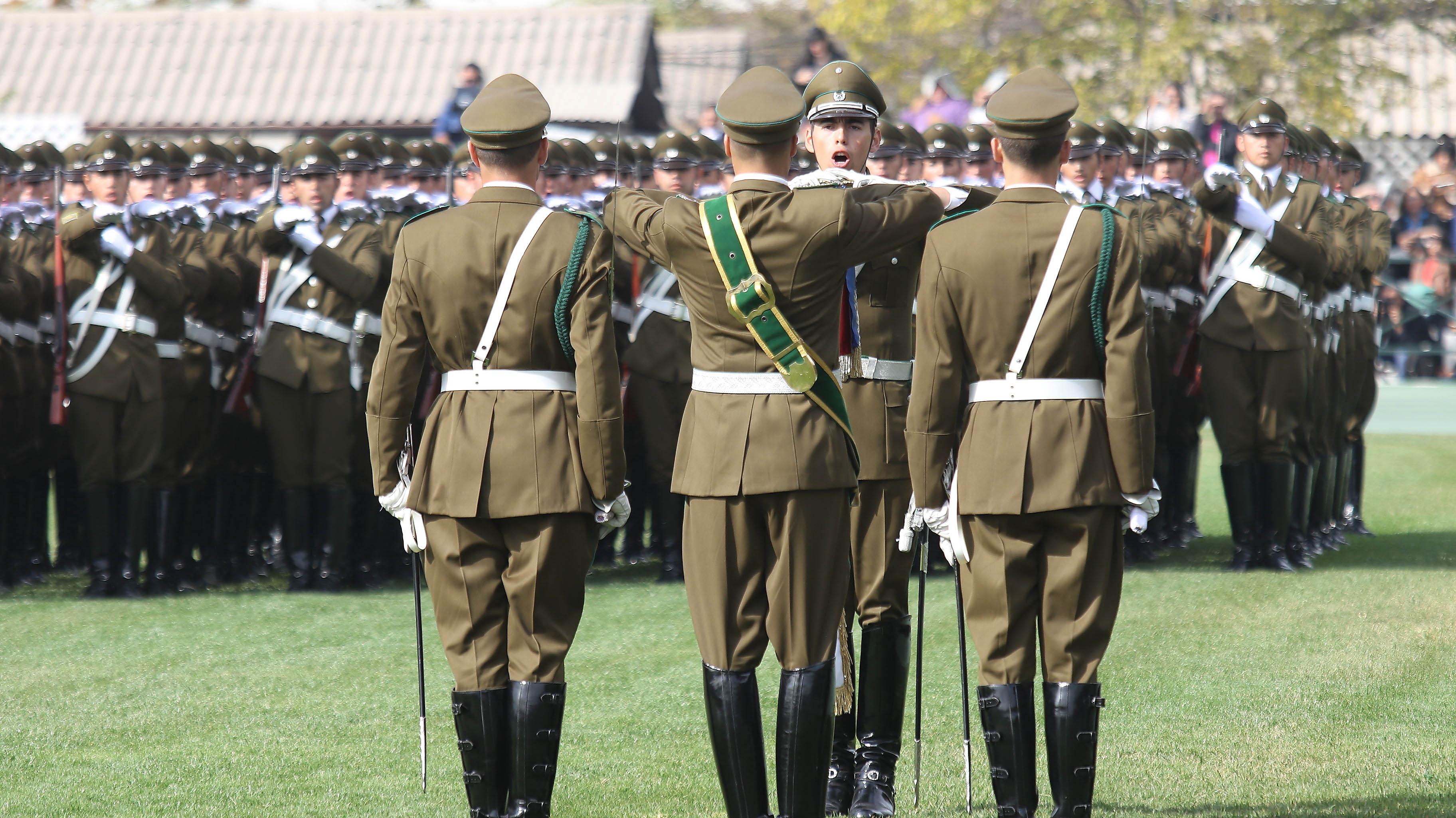 Fiscalía pide a Carabineros información sobre viajes de 130 generales (r) que se habrían pagado con gastos reservados