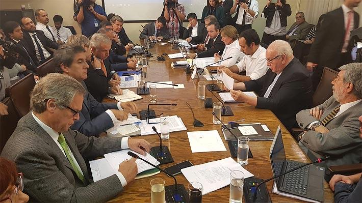 Se confirma apoyo DC: Comisión de Hacienda aprueba idea de legislar la reforma tributaria tras tenso debate