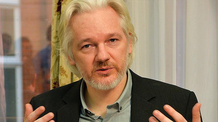 Juez británico declara culpable a Assange por violar su libertad condicional en Reino Unido