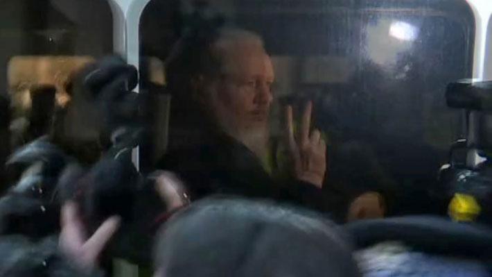 """Defensa de Assange asegura que """"impugnará y luchará"""" contra eventual extradición a EE.UU."""