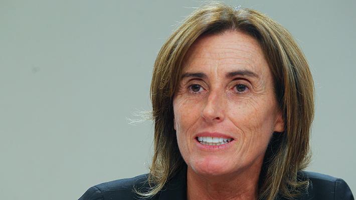 """Ministra Cubillos reitera su apoyo a que el Instituto Nacional pase a ser mixto: """"El mundo va también hacia allá"""""""