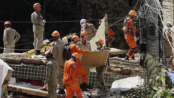 Al menos nueve muertos en Brasil tras el derrumbe de dos edificios en una favela de Río de Janeiro