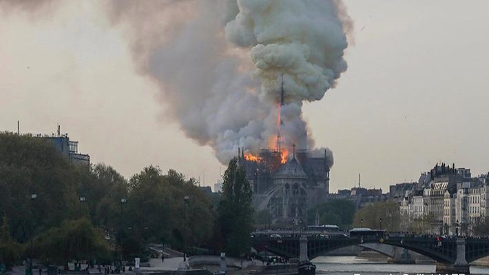 Fotos: Impresionante incendio consume la Catedral de Notre Dame de París
