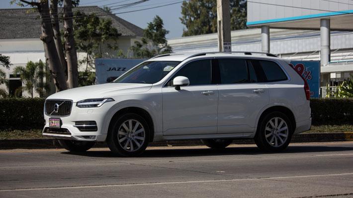 Los autos de Volvo se avisarán sobre los peligros que detecten en las carreteras