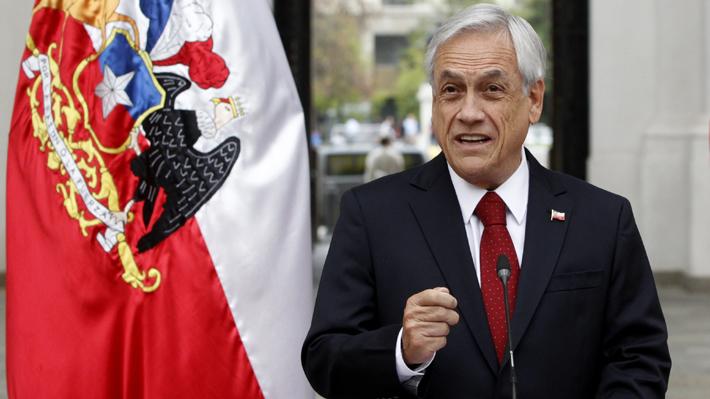 """Presidente Piñera se dirige a Macron tras incendio en Notre Dame: """"Mucha fuerza y fe al pueblo francés"""""""