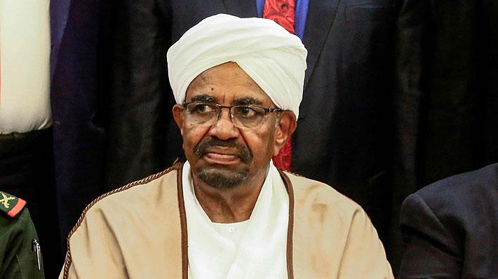 Trasladan a una cárcel al ex Presidente de Sudán depuesto por los militares