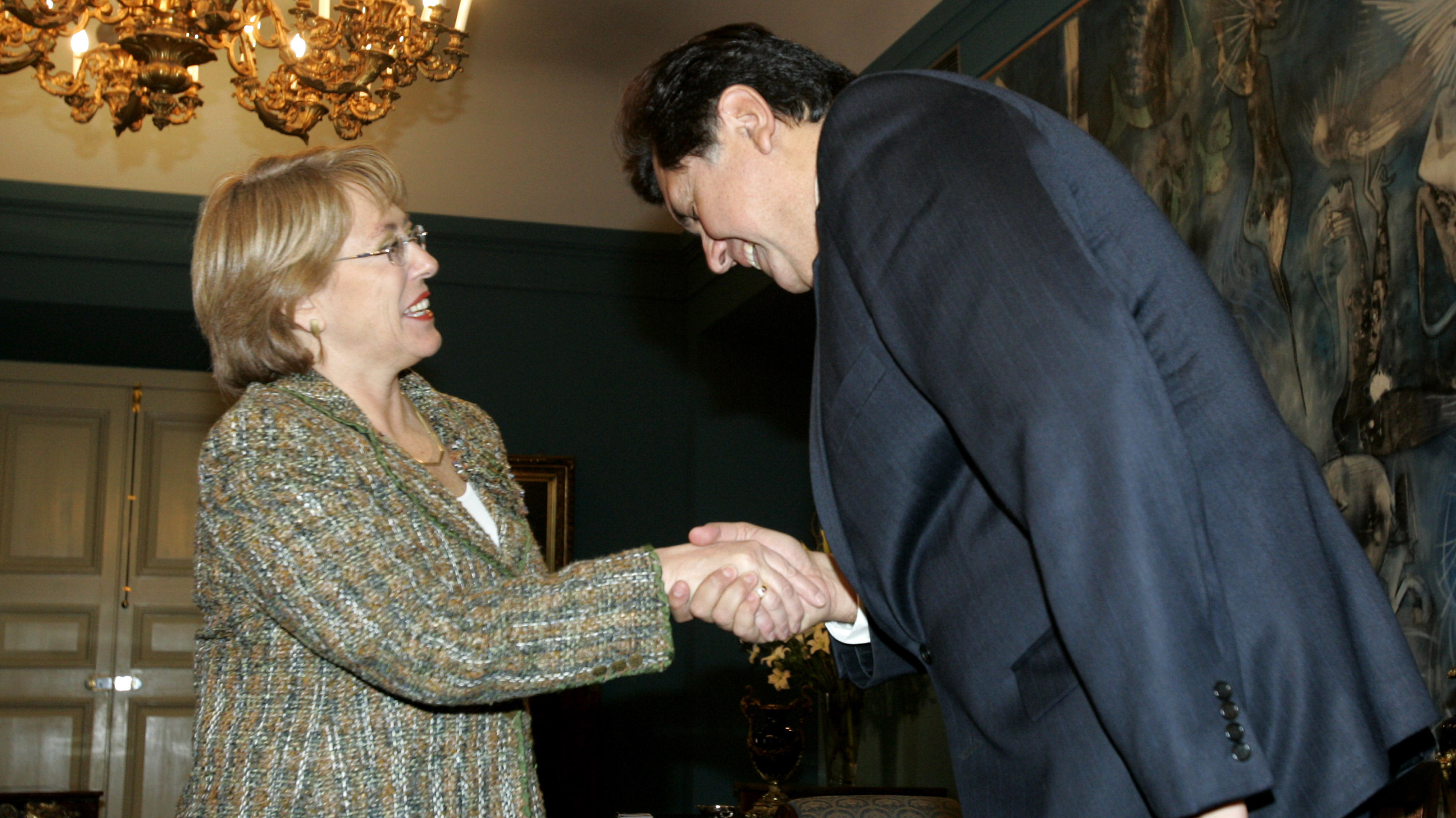 Cercano en el discurso, pero distante en los hechos: La ambivalente relación de Alan García con Chile