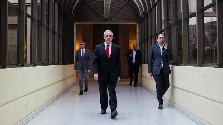 Deberá trabajar solo con los funcionarios ya existentes: El equipo que tendrá el ex fiscal Guzmán en el Senado