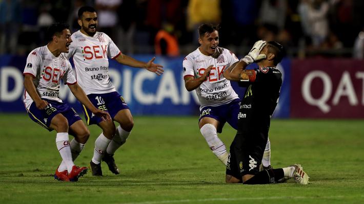 Diego Sánchez fue héroe en la sufrida clasficación de Unión Española en la Sudamericana ante el modesto Mushuc Runai