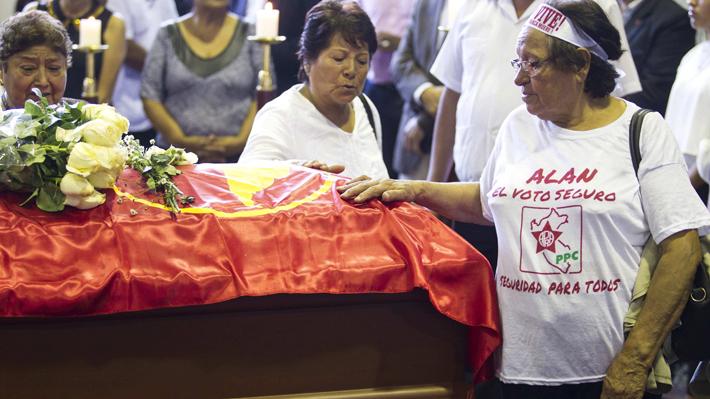 Apristas impiden ingreso del ex Presidente Ollanta Humala a velatorio de Alan García en Perú