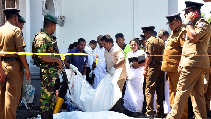 Detienen a ocho personas por presunta participación en las explosiones que causaron 218 muertes en Sri Lanka