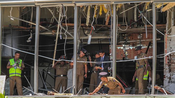 Aumenta a 290 el número de muertos tras serie de explosiones en Sri Lanka