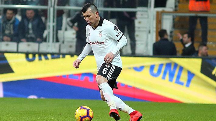 Médico del Besiktas es optimista con la lesión de Medel y asegura que llegará a la Copa América